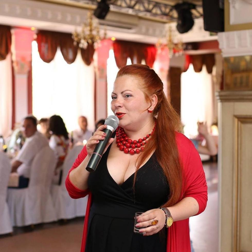 Олена Довгалюк