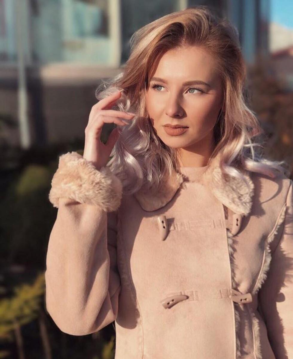 Діана Патейчук – ефектна світловолоса лучанка