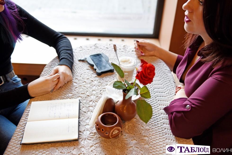 Людмила Пенцак – успішна бізнес-тренерка, жінка-економістка, самодостатня, впевнена.