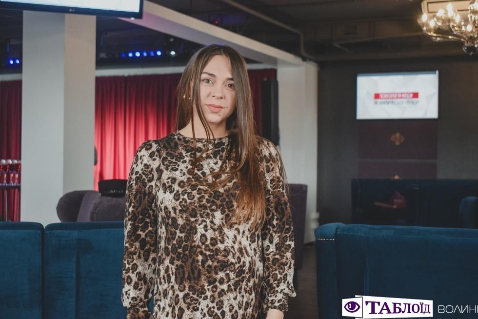 Лучанка скооперувала та знайомила одне з одним піарників, дизайнерів, власників бізнес-проетів, ведучих, фотографів, медійників та представників модельного бізнесу.