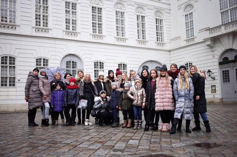 Луцькі школярі колядують в Австрії та Угорщині