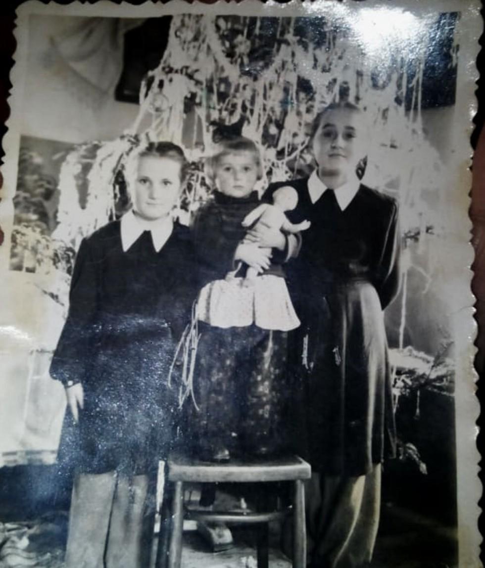 Мама Орести зі своєю омріяною лялькою
