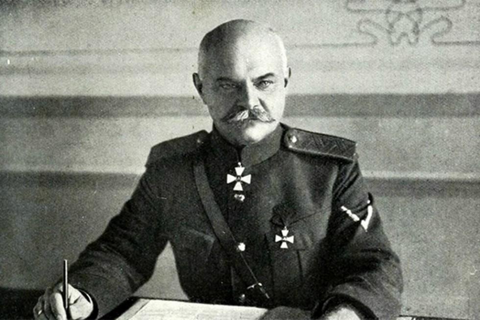 Генерал Антон Денікін — один із лідерів Білого руху під час Громадянської війни в Росії