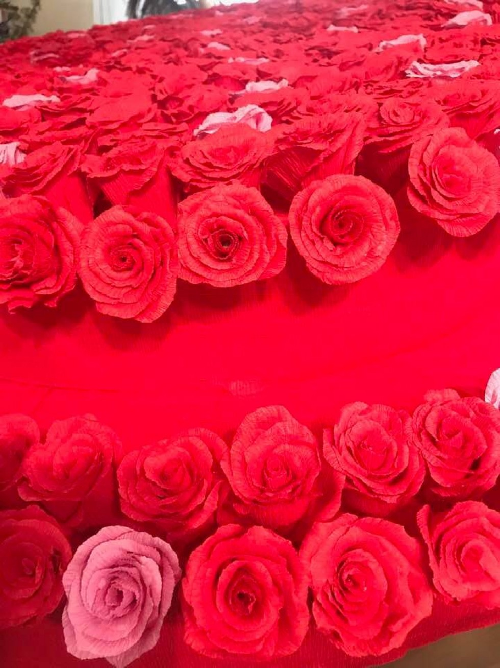 Фотозона з 600 троянд