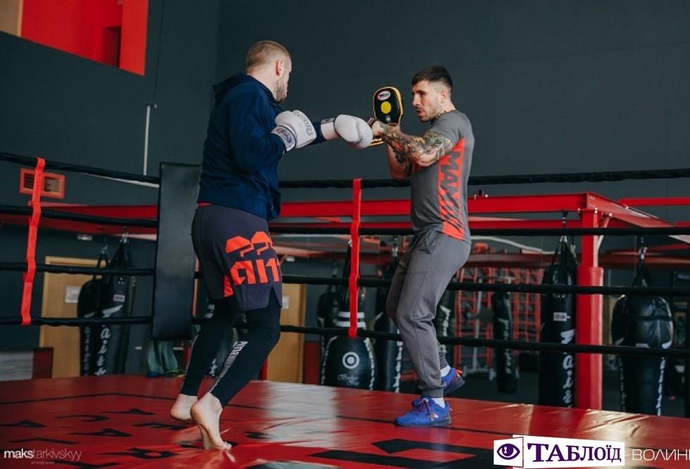 Луцьк спортивний: тайський боксер Сергій Снитюк