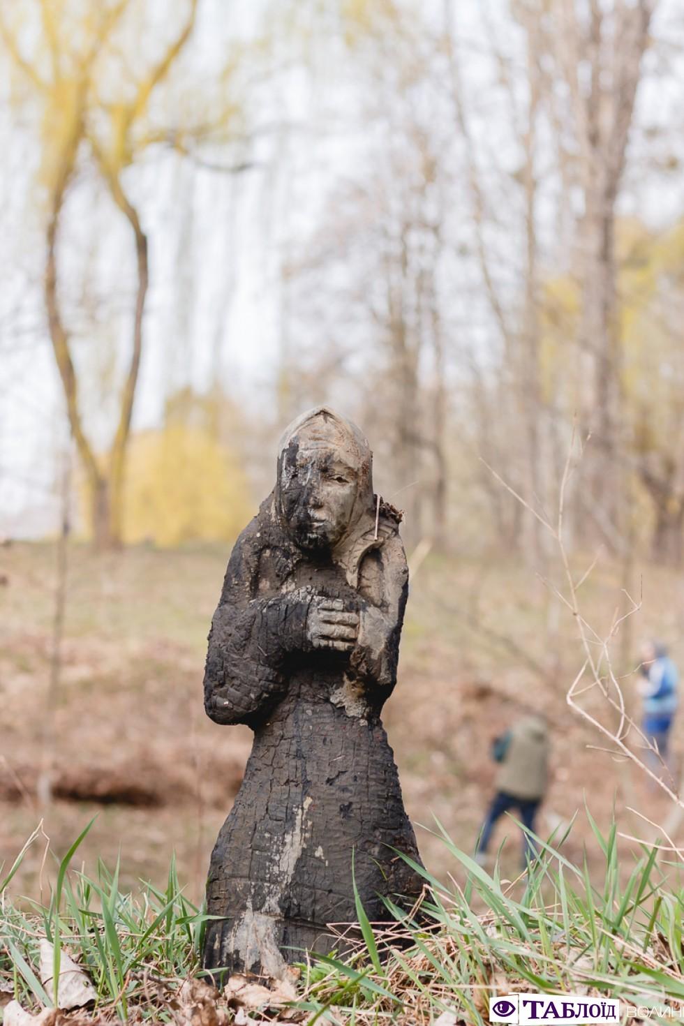 Дерев'яна фігура з Сапалаївки дуже загадкова