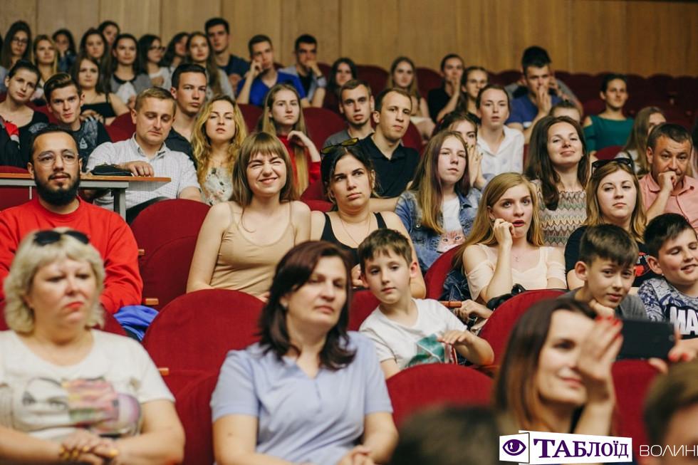 Другий тур студентської «Ліги сміху Волинь»