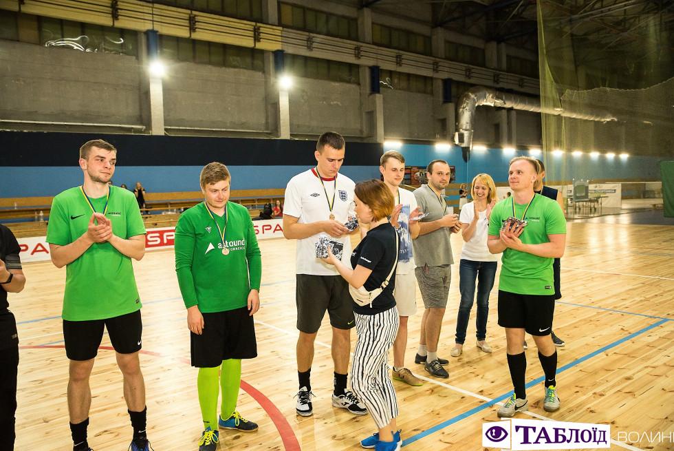 Нагородження команд-переможців футбольного турніру
