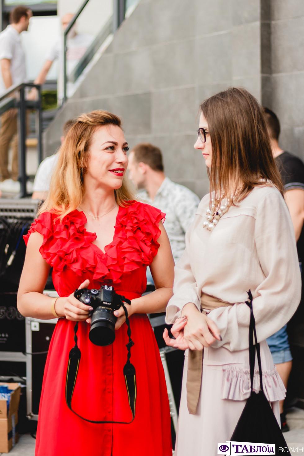 Відома виконавиця Sonya Kay розважала луцьку публіку під час Lutsk Fashion Weekend.