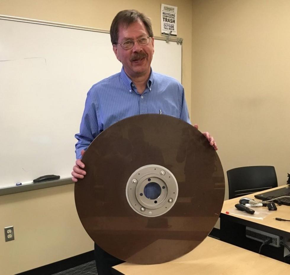 Жорсткий диск на 10 Мб – родом з 1960-тих