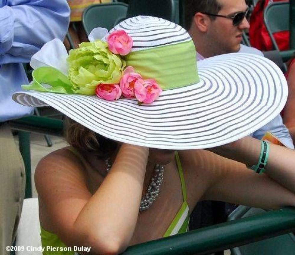 Стильні літні капелюшки