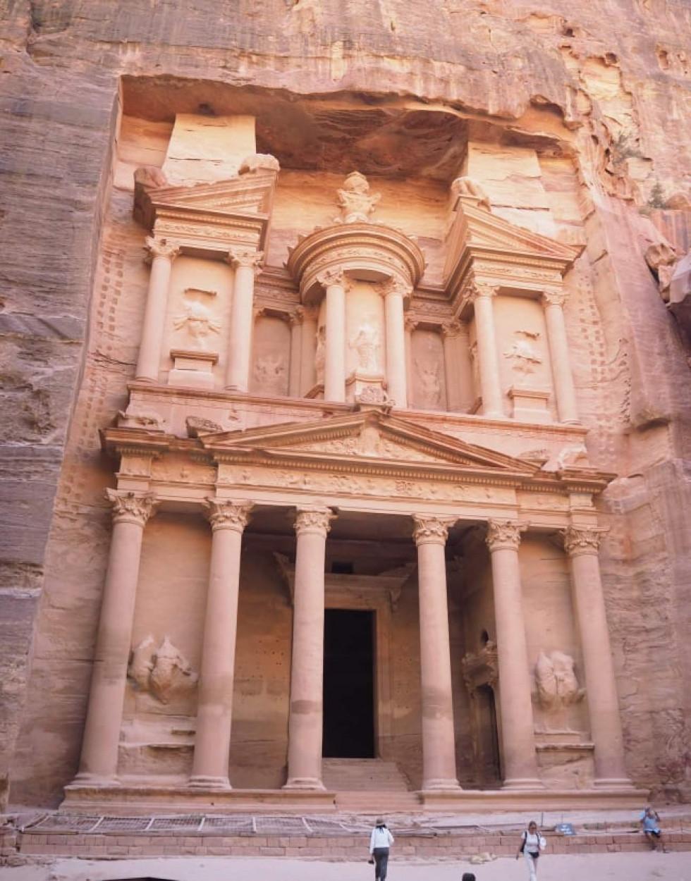 Петра - давнє місто на півдні Йорданії