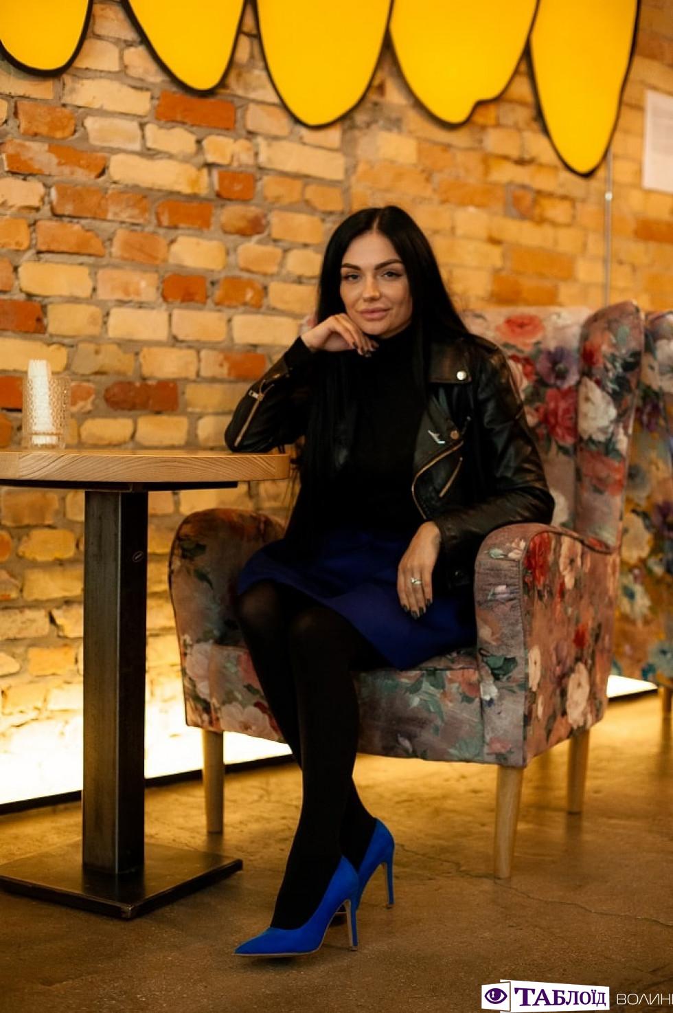 Відверто: єдина у Луцьку діджейка Яна Щибря про моделінг, танці, інстаграм і музику