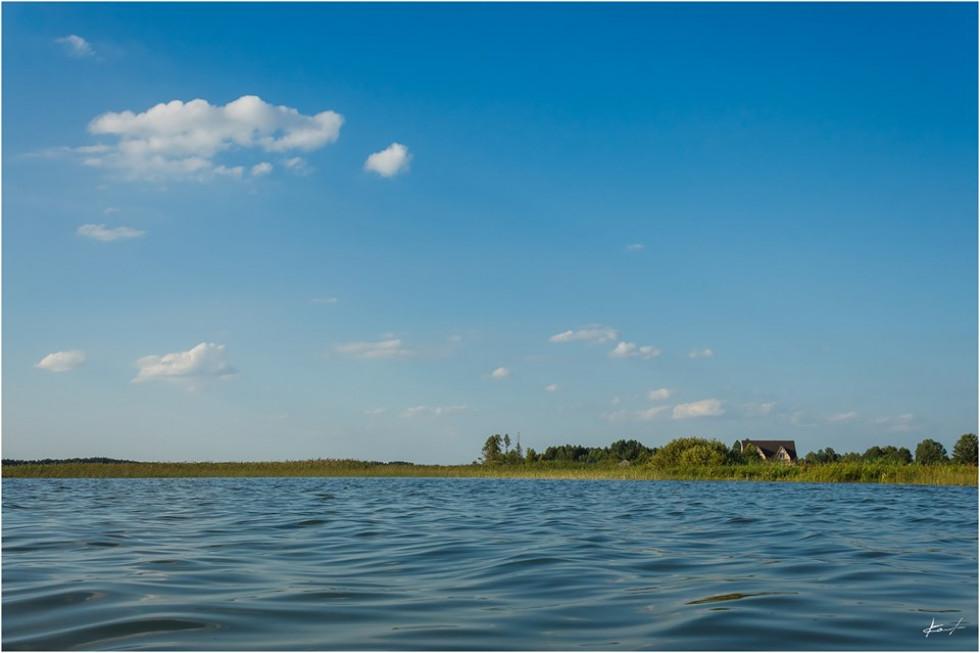 Озеро села Любохини