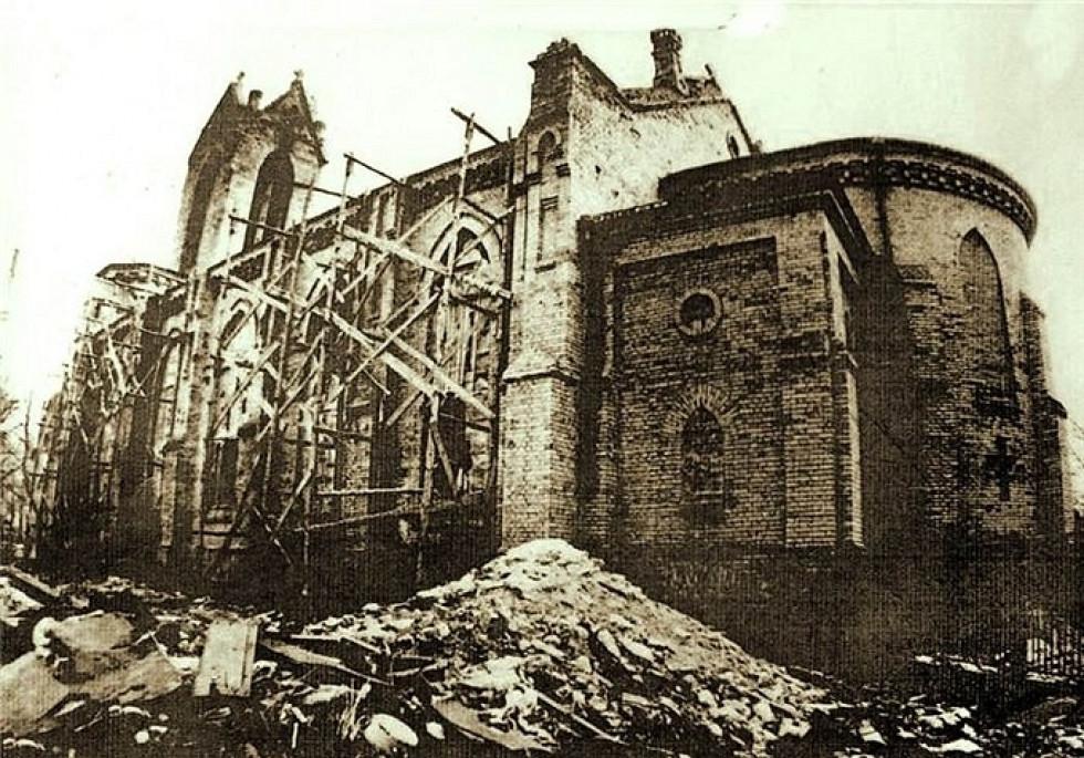 Реставрація кірхи, початок 1990-х