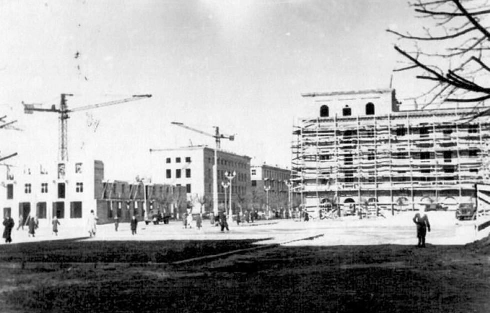 Будинки біля Обкому, 1950-ті