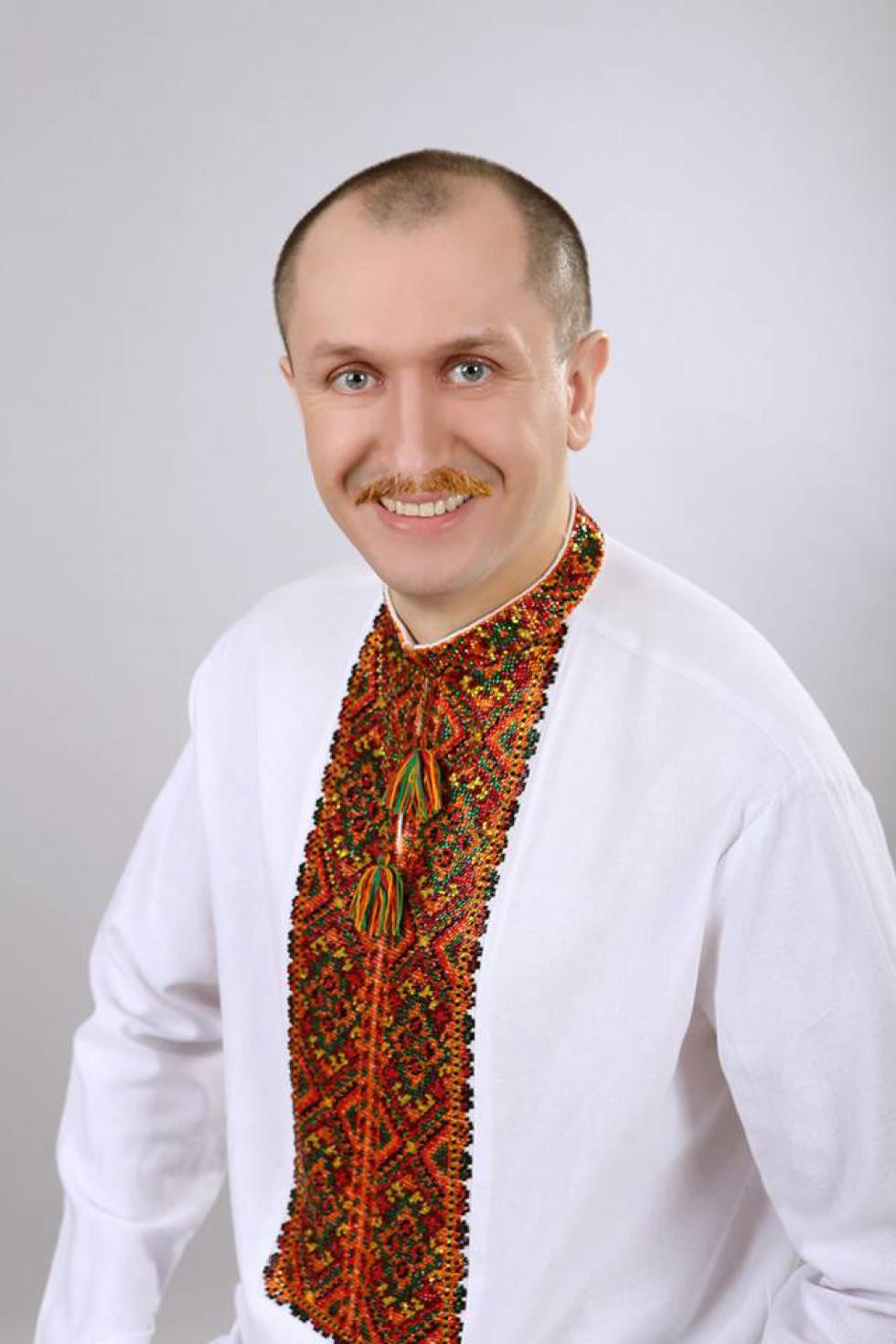А вусатий Микола Яручик - справжній козак!