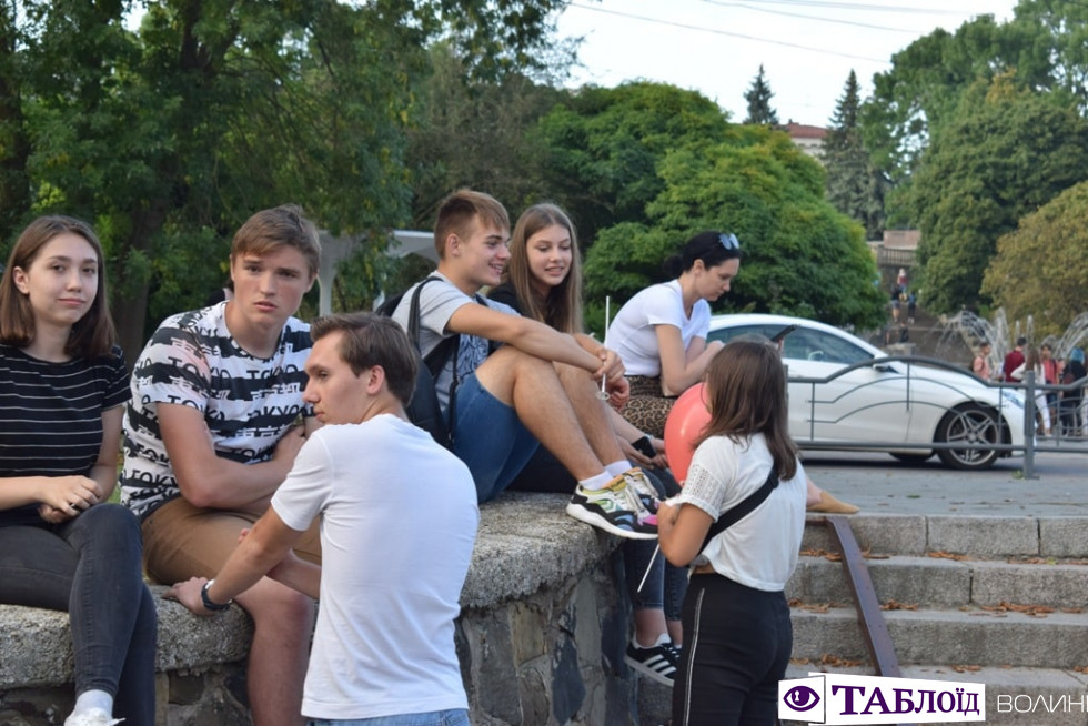 Красуні та красені дня: гості святкування Дня молоді
