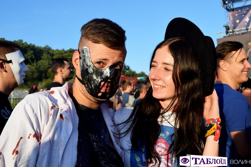 Красуні та красені дня: яскраві гості «Zaxidfest»-2019