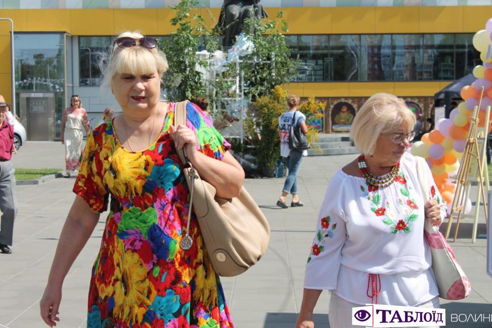 Красені та красуні: гості фестивалю «Ecostumfest». ФОТО