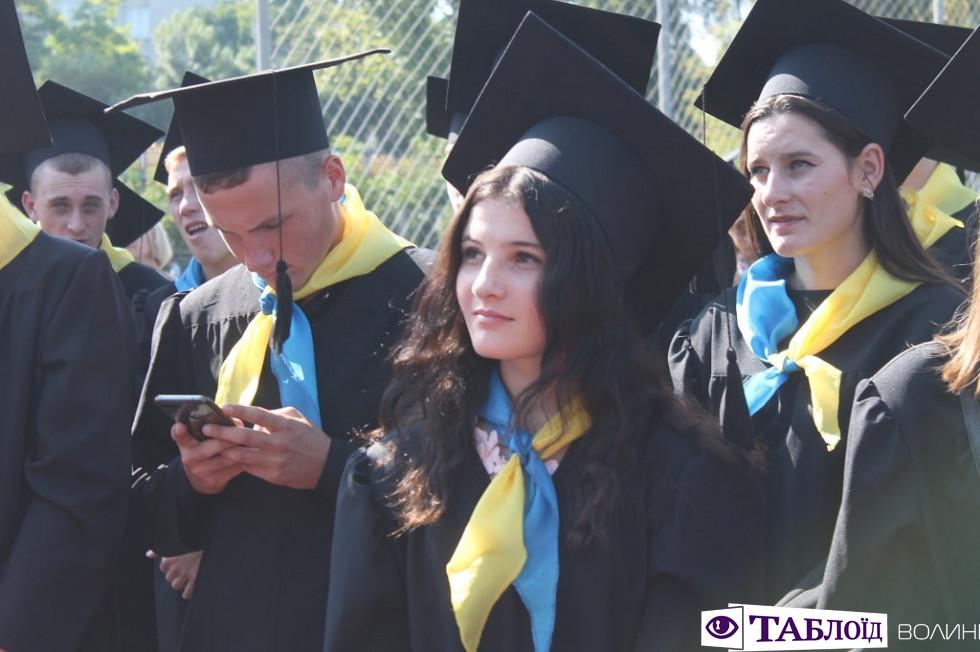 Красуні та красені дня: хто прийшов на посвяту у студенти волинського вишу
