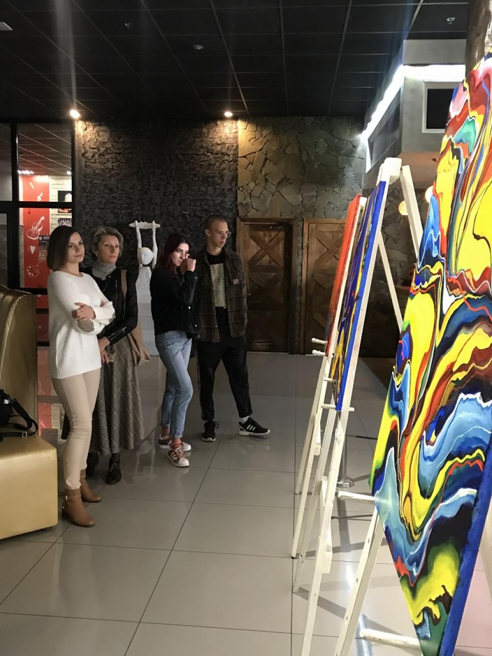 Виставка Миколи Ампілогова «New way»