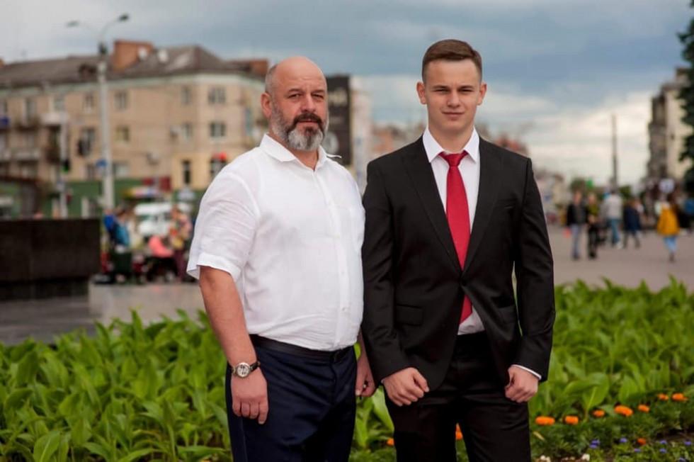 Бізнесмен Василь Токарський з сином