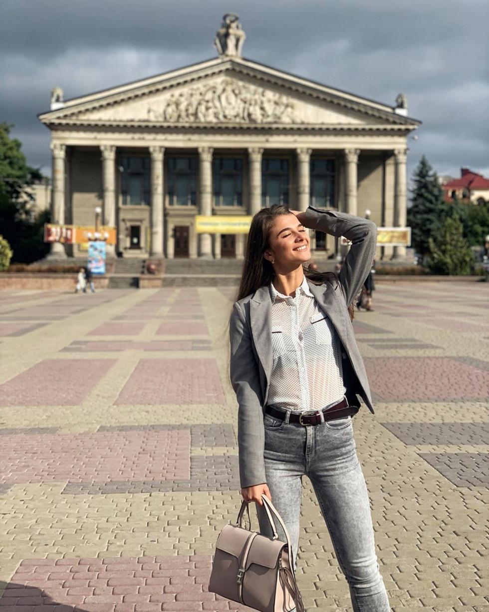 Красуня дня: життєрадісна тверк-танцівниця Віка