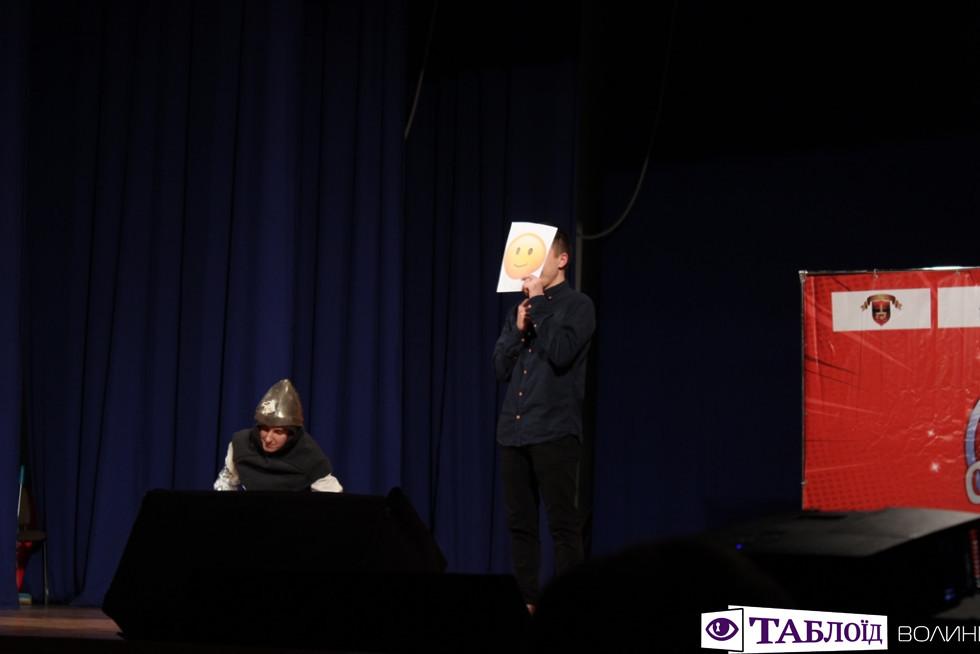 «Неля, то не любов, то глисти»: ТОП-жарти студентської «Ліги сміху Волинь»