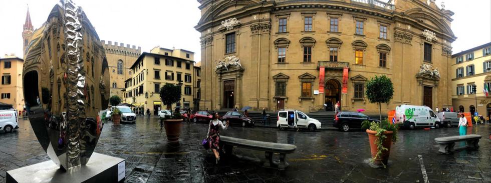 Волинська держслужбовиця намокла під італійським дощем