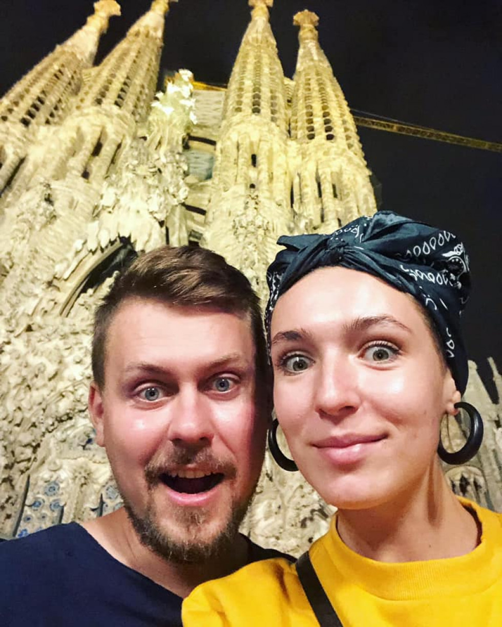 Темні вулички та велика синя вежа: луцька ведуча показала нічну Барселону. ФОТО