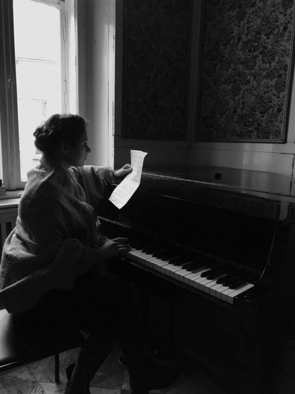 Хвилинка слави: маленька акторка, яка мріє не загубити себе