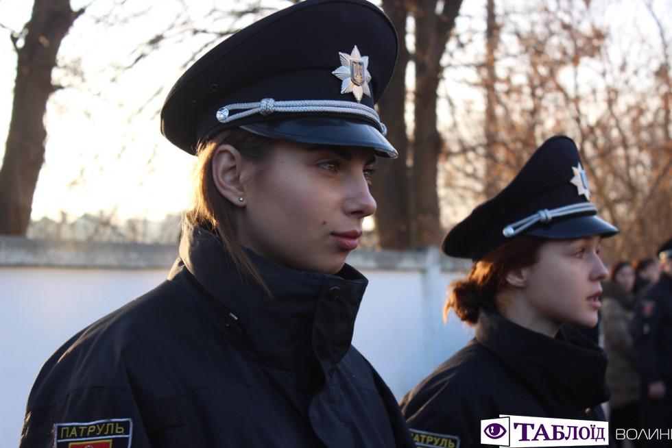 Красуні та красені дня: стрункі волинські поліцейські
