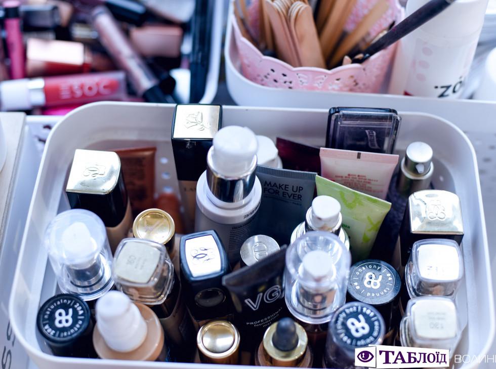 Професія крізь об'єктив: секрети трендового макіяжу від луцької візажистки