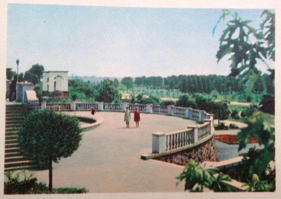 Колоритний радянський Луцьк на листівках середнини минулого століття