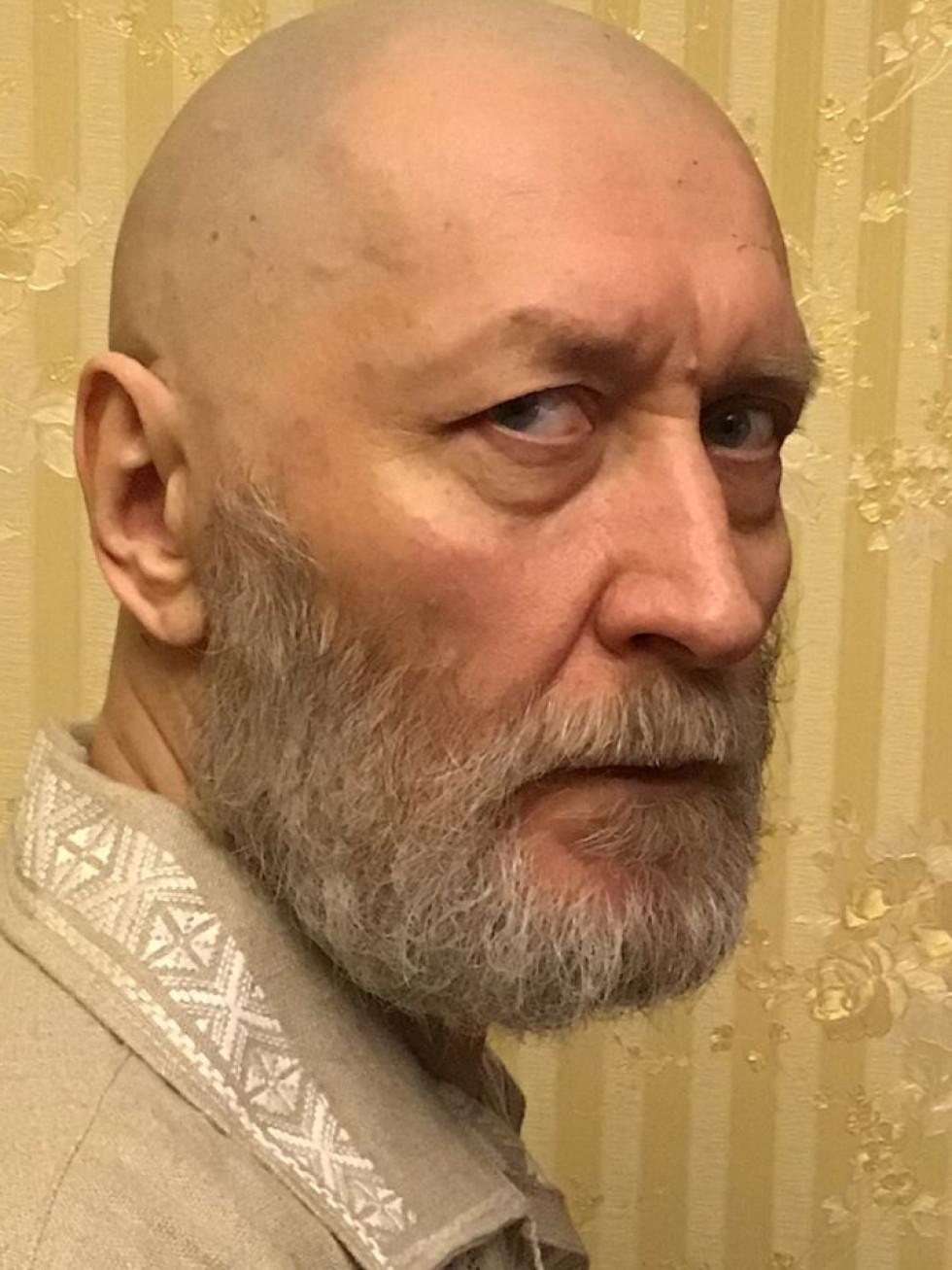 Василь Слапчук з новою зачіскою