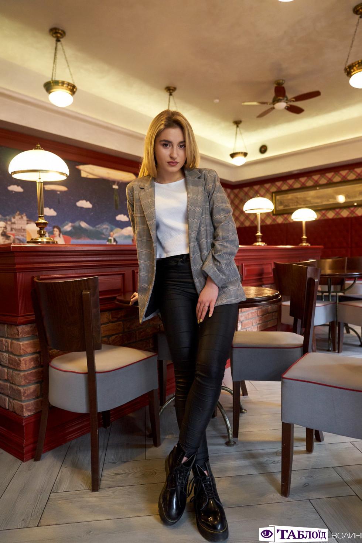 «УКиєвія працюю з моделями та блогерами»: інтерв'ю з «Красунею місяця»