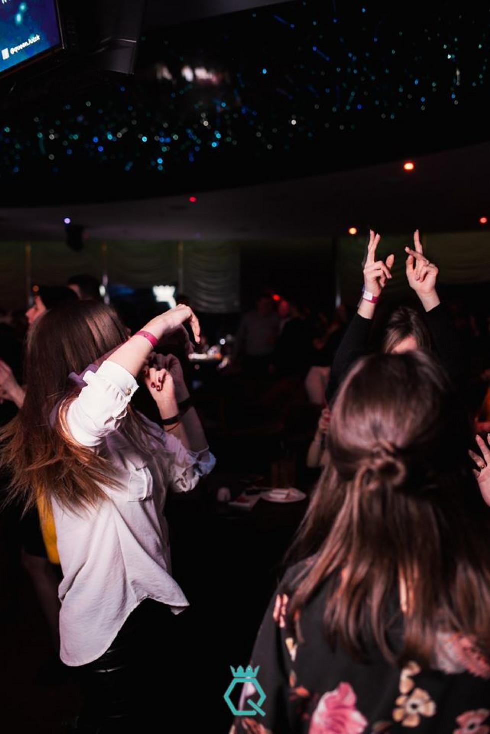 День народження, саксофон і танці: як зустрічали весну в луцькому клубі