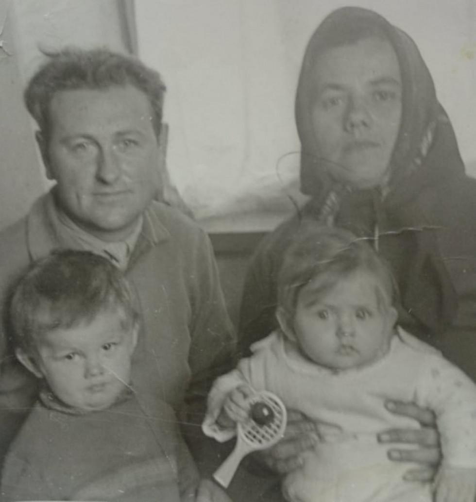 За що дякують своїм мамам відомі волиняни. Петро Савчук
