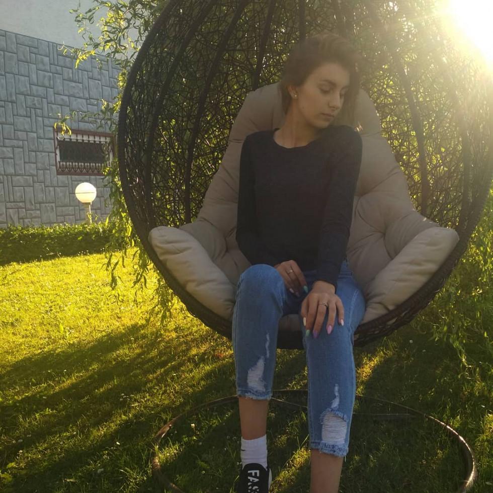 Красуня дня: кароока Оля