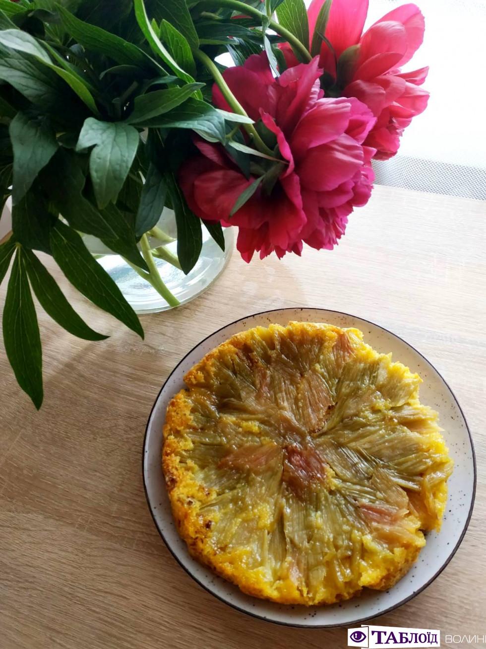 Смачний таблоїдний лайфхак: популярний літній пиріг за 30 хвилин
