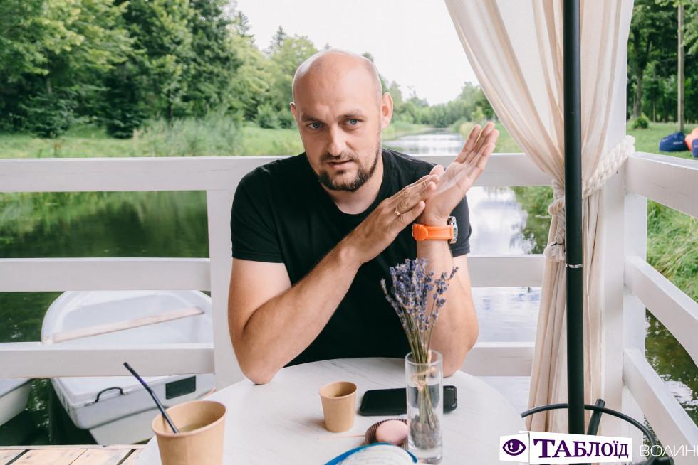 «Ми робимо максимум, щоб дати дітям якісне життя»: тепла розмова з Володимиром Луциком
